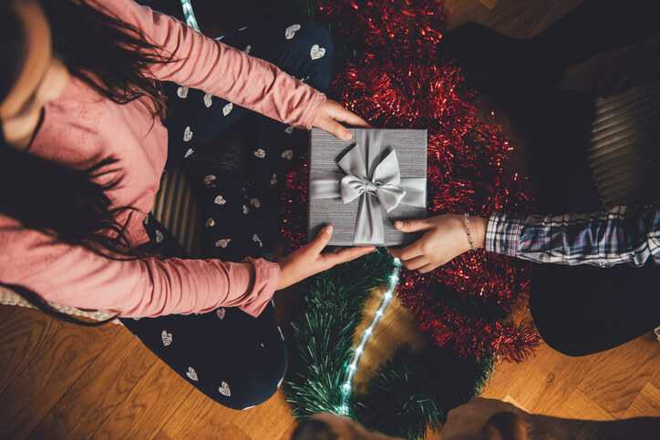 11 money saving tips for christmas
