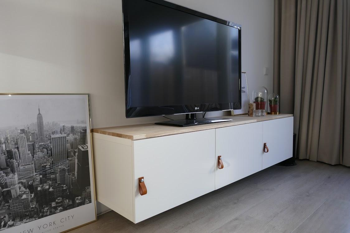 Goedkoop Tv Meubel Ikea.Ikea Hack Televisiemeubel Pimpen Met Hout En Leer