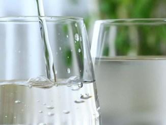 W przypadku czerpania wody z własnego ujęcia, należy zainstalować filtry o dużej wydajności.