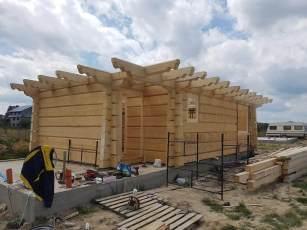 Plac budowy domu z drewna