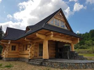 Wykończony dom z bali