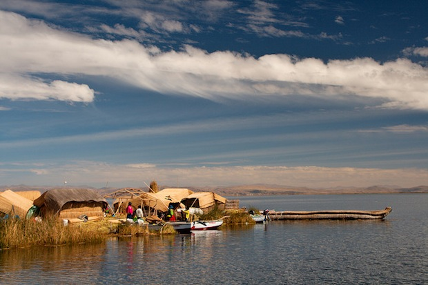 islas uros peru