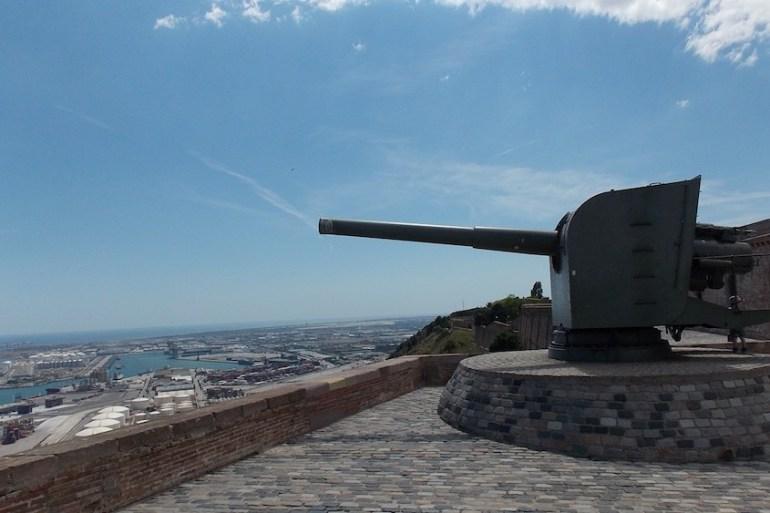 cropped-montjuic-barcelona-forte-canhão.jpg
