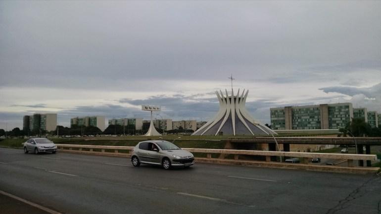 catedral de brasilia transito - ônibus executivo