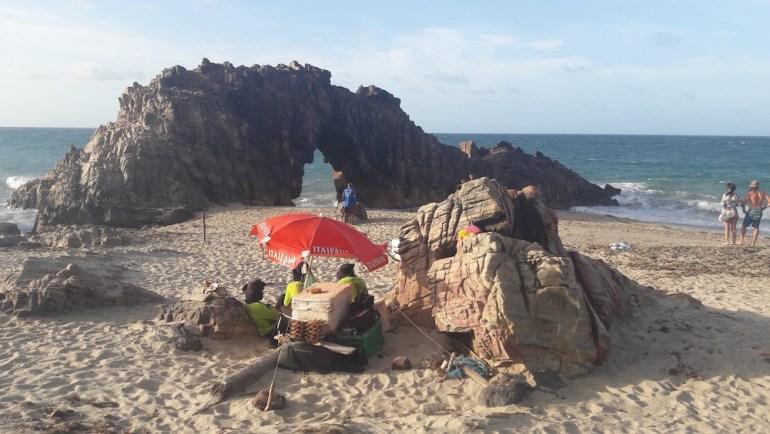 pedra-furada-jericoacoara-comercio