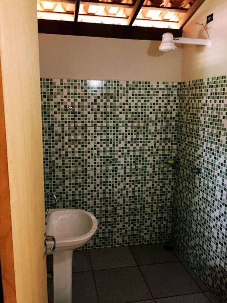 banheiro pousada atins