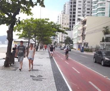 Bombinhas ou Balneário Camboriú: comparativo de praias e atrações