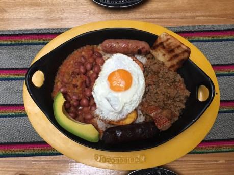 Bandeja Paisa, prato típico da Colômbia