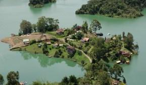 Embalse del Penol (Lago de Guatapé)