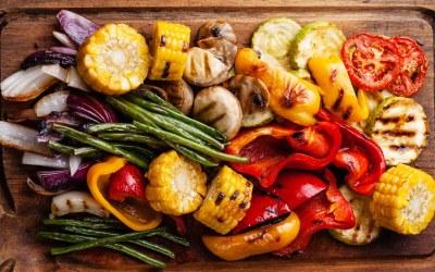 Cocina con Buenmercadoacasa: Ensalada de berenjena, sandía y sésamo a la parrilla