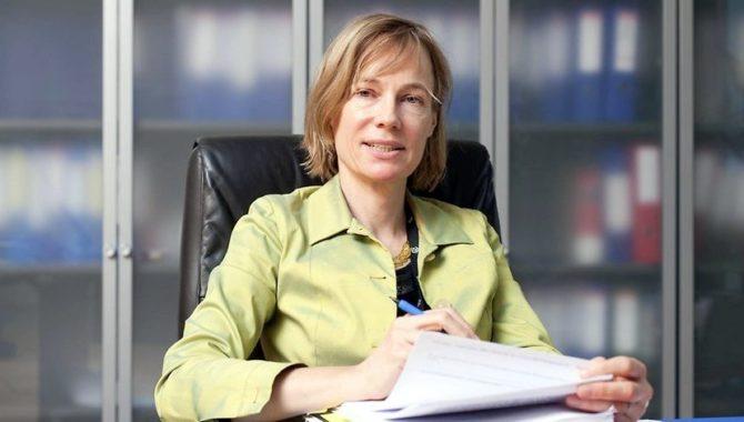 Abogada del TJUE piensa que funcionarios deben ser readmitidos tras despido ilegal
