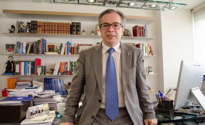 De la Serrana sustituye a Fernando Escura como presidente de Hispajuris