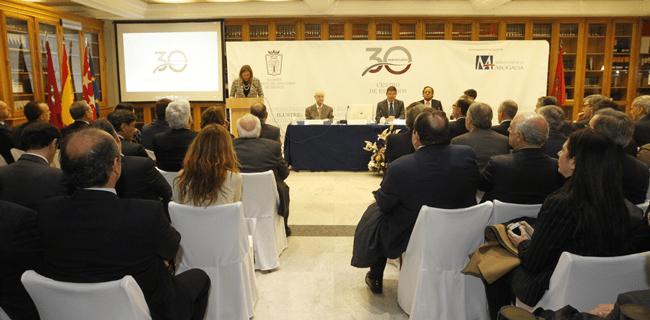 ICAM y el Gobierno acuerdan hablar sobre el derecho de defensa