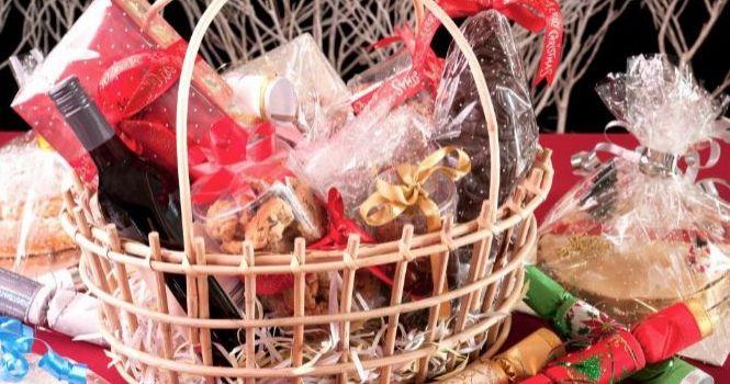 Si obtuvo beneficios, la empresa debe entregar cesta de Navidad