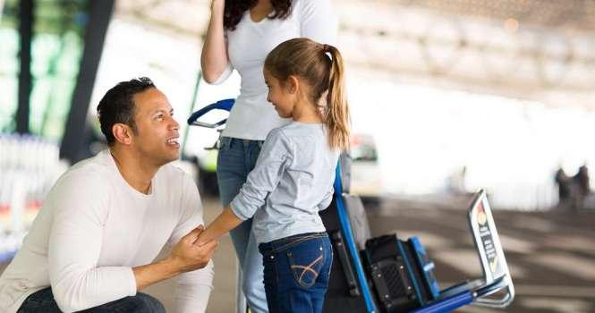 ¿Una madre o padre puede pedir una excedencia para atender a un hijo mayor de 3 años?