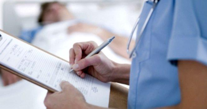 Condena contra una enfermera por no actuar rápidamente