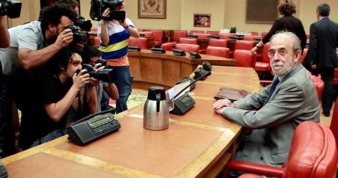 Dimite el magistrado Valdés Dal-Ré, acusado de malos tratos