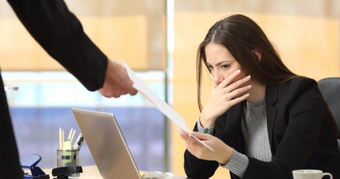 Avalado despido de empleada por hablar por horas por teléfono