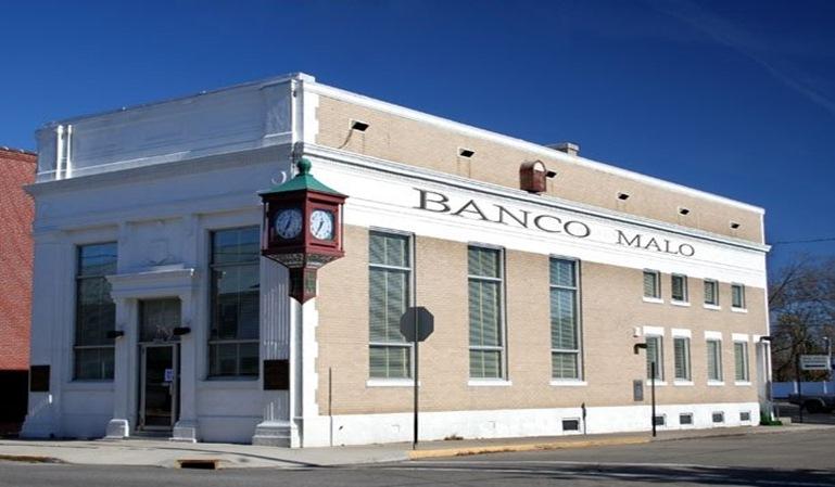 banco malo pone a la venta 1.300 pisos