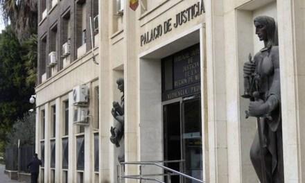 Condenada a pagar la matrícula escolar de su hija tras llevarla a un colegio privado en contra del padre