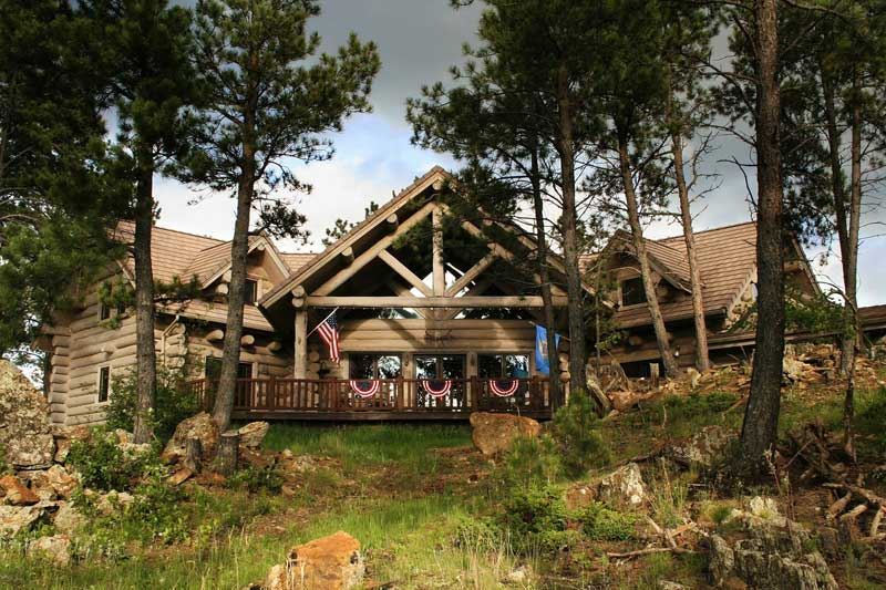 Buffalo Rock Lodge Bed & Breakfast and Cabins