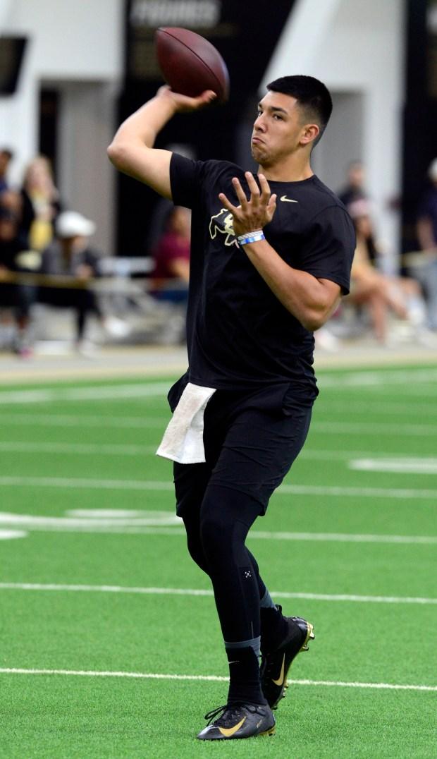 Steven Montez throws for the NFL ...
