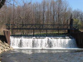 Jez Chromeč - řeka Morava