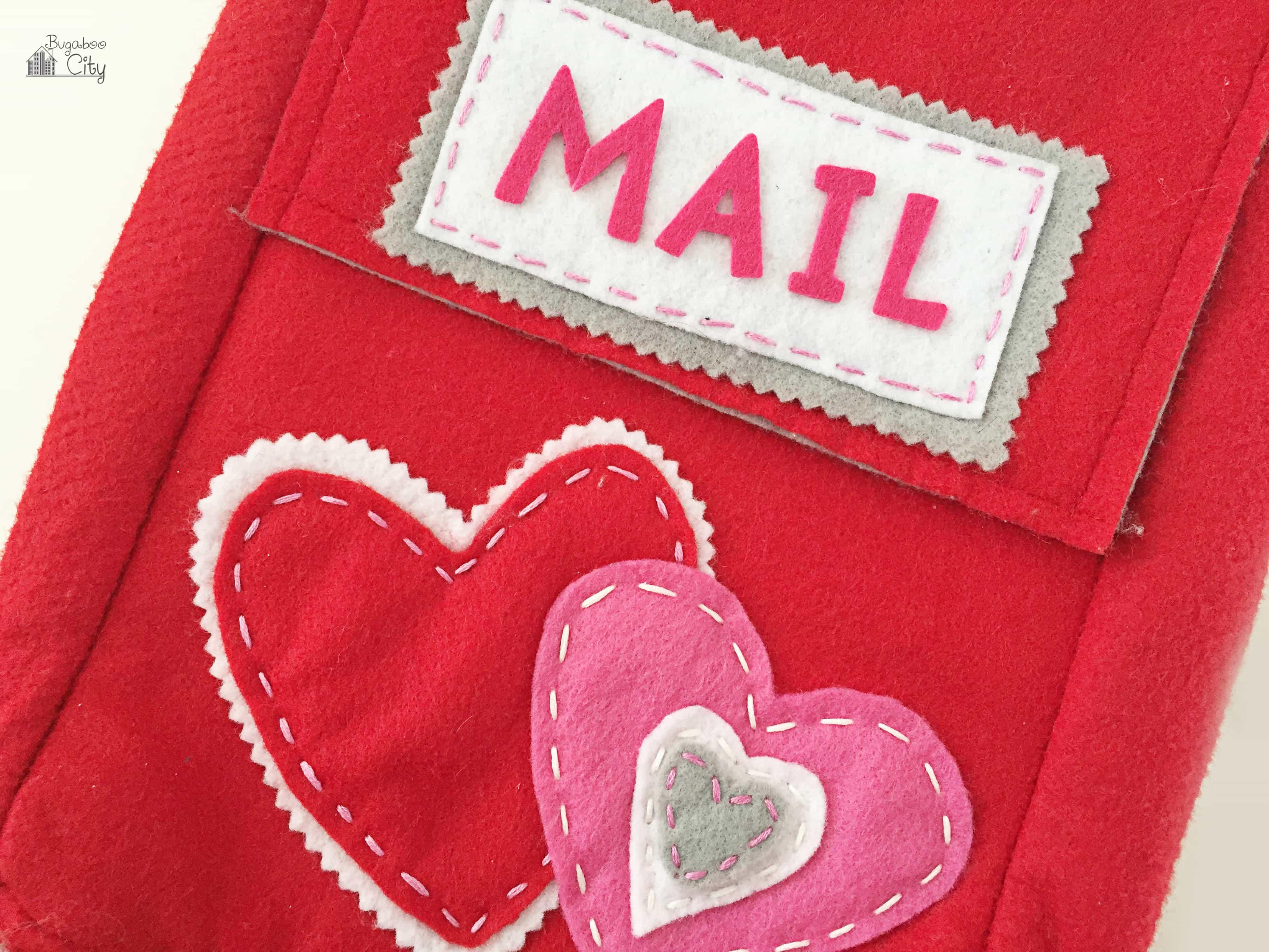 DIY Felt Valentineu0027s Day Mailbox