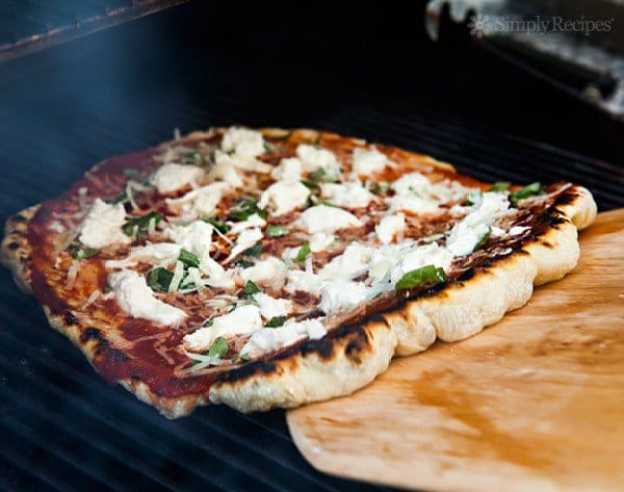 How to Grill Pizza by Simple Recipes