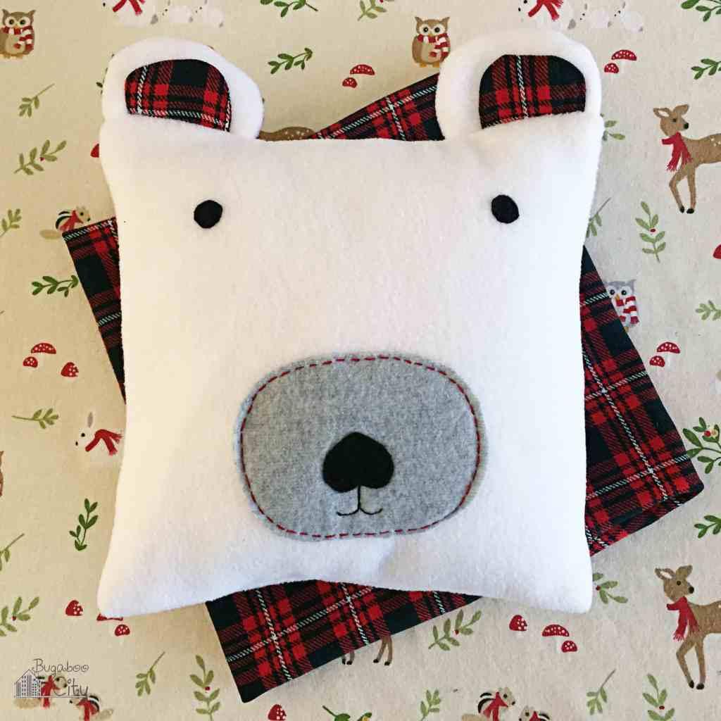 DIY Polar Bear Holiday Pillow 12