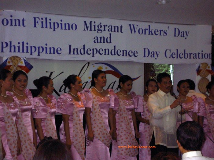 This choir sing a Filipino song ~
