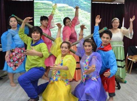 Damayan Folk Dance Group (Photo credit: Facebook page of Razel)