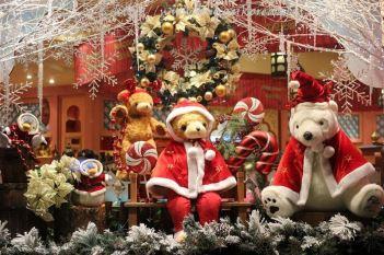 Holiday window decoration