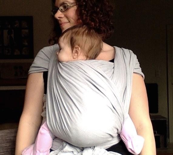 Hoe kan je je baby dragen: op de buik, heup of rug?