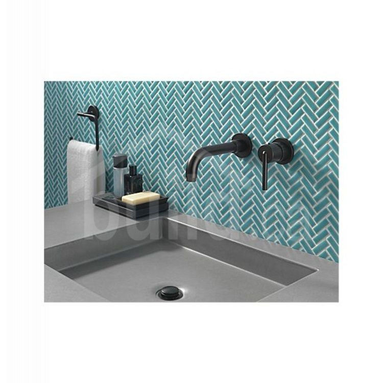 delta trinsic single handle wall mount