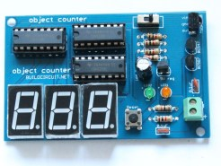 Step 14- Solder 100uF capacitor and insert CD4026 chips