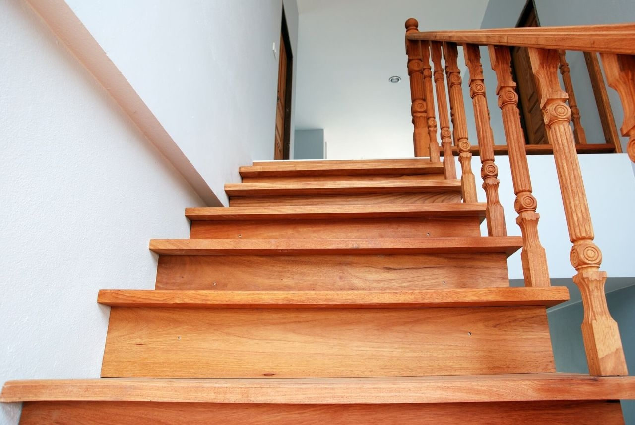 How To Choose A Style Of Stair Tread Nosing Builddirect Blog   Engineered Wood Stair Treads   Hickory   Platform   Finished   Engineered Hardwood   Luxury Vinyl