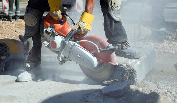 gergaji beton peralatan bangunan penting