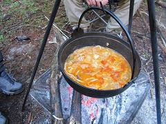 鍋の残りにうどんを入れて豚キムチうどん