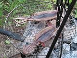 炭火で炙る
