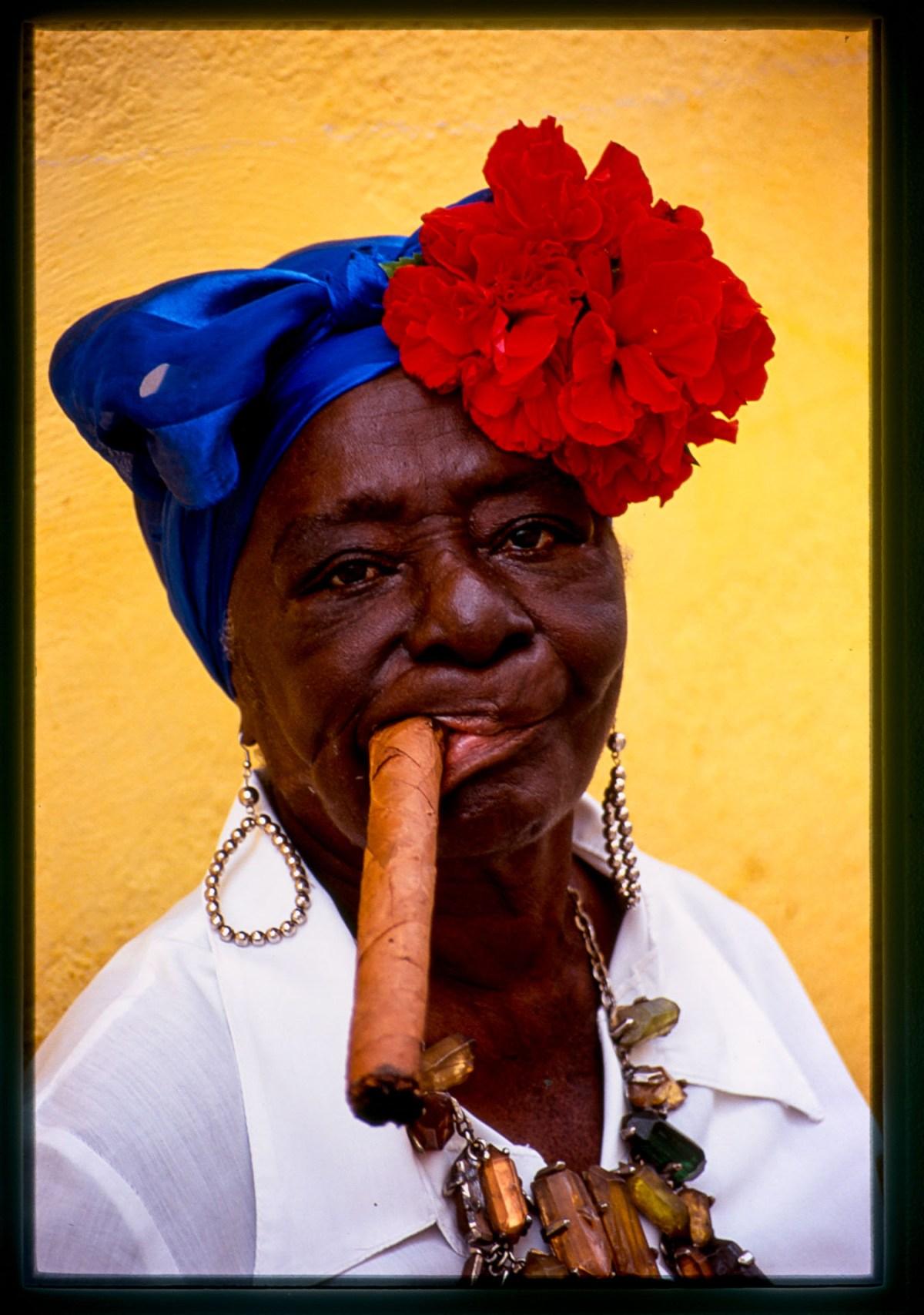 lady-cigar