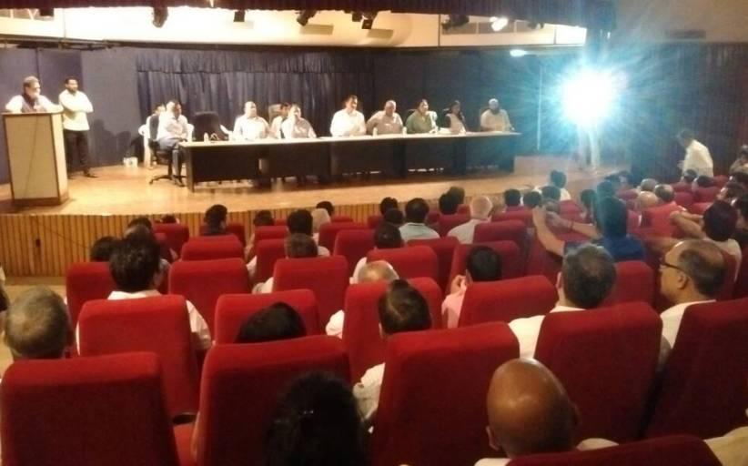 प्राधिकरण के अधिकारियों ने की 3C बिल्डर के बायर्स के साथ बैठक