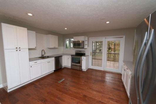 saman tsg white shaker kitchen cabinets modena murano granite