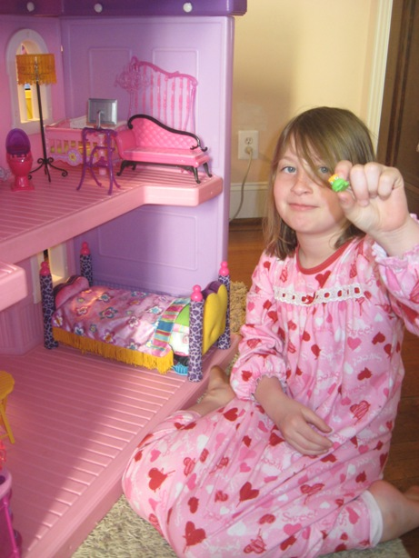 7 Year Old Decorating First Step Dollhouse