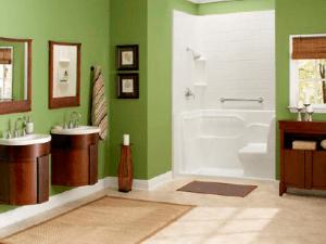American Standard Safety Tub in a Contemporary Bath