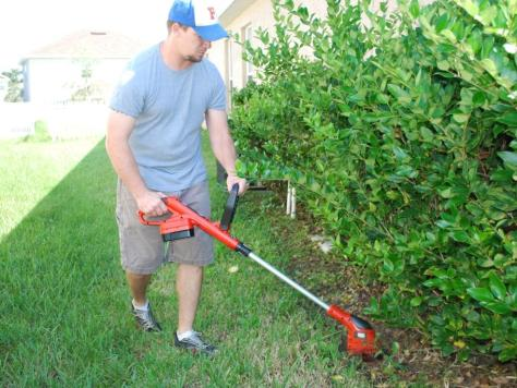 String Trimmer Review :: Black and Decker Grasshog in action