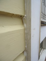 caulk-applied-close-up-outside-corner