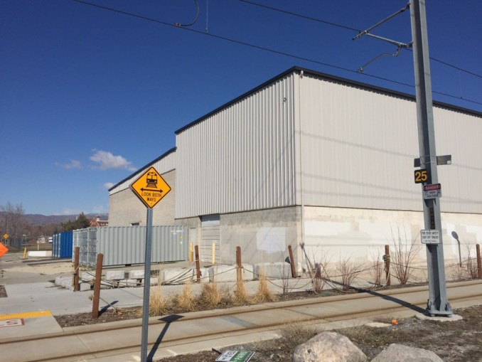 A warehouse in South Salt Lake at the intersection of 400 East and the S-Line. Image by Isaac Riddle.