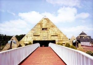 Pyramid Hot Wheels by Anderson Scott