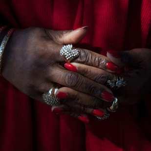 The Red Shawl ©Vicki Hunt